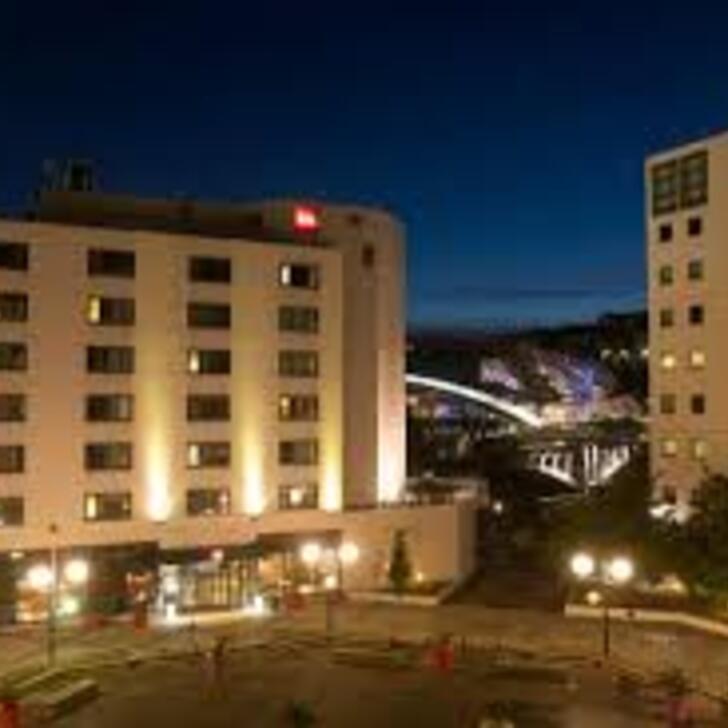 Hotel Parkhaus IBIS LYON GERLAND MUSÉE DES CONFLUENCES (Überdacht) Lyon