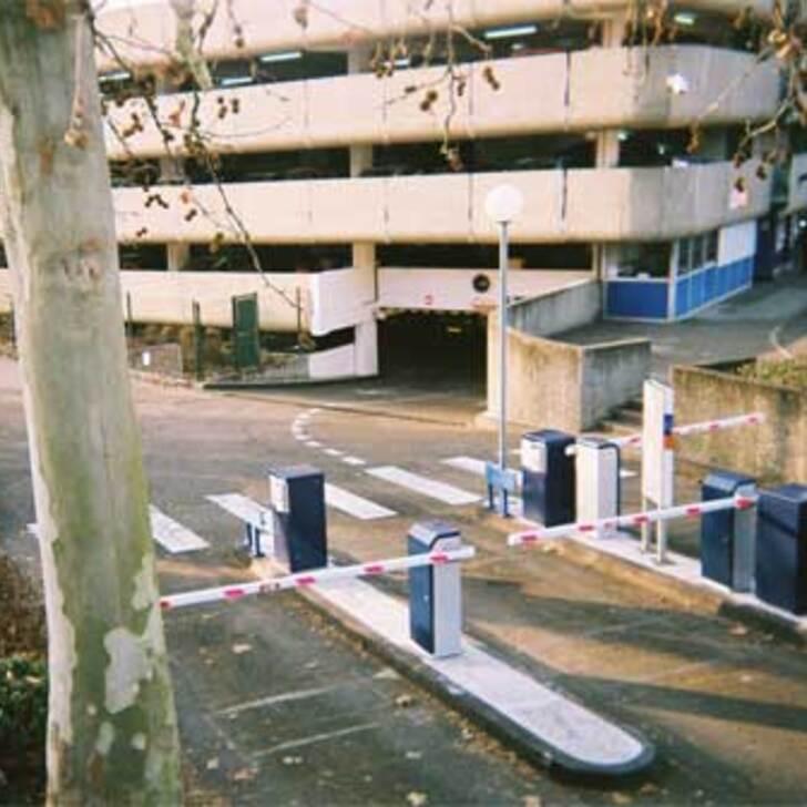 Offiziell Parkhaus EFFIA GARE DE CHARTRES (Überdacht) CHARTRES