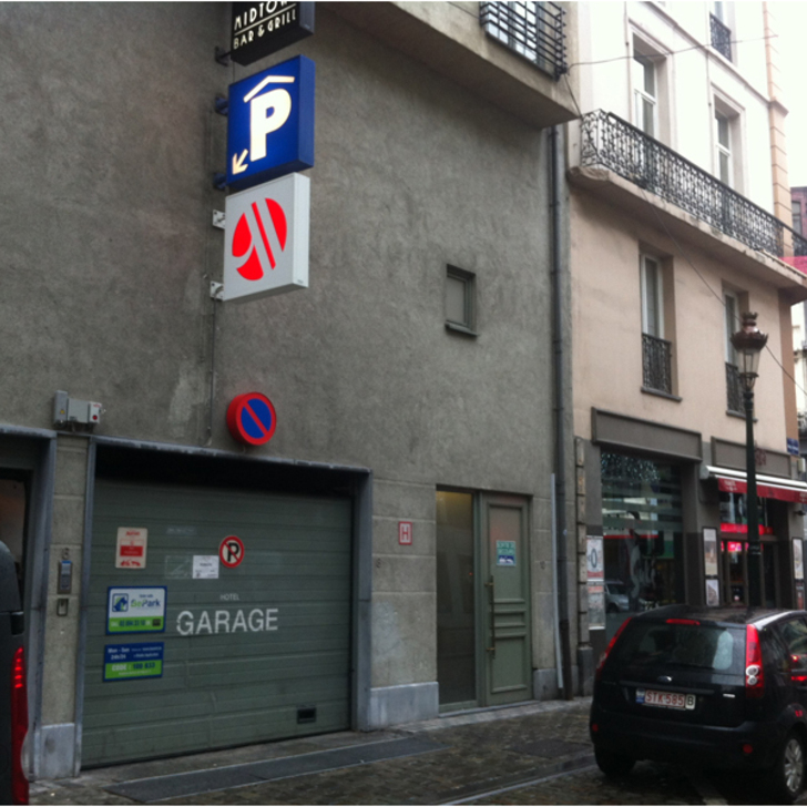 BEPARK BOURSE - HÔTEL MARRIOTT Public Car Park (Covered) Bruxelles