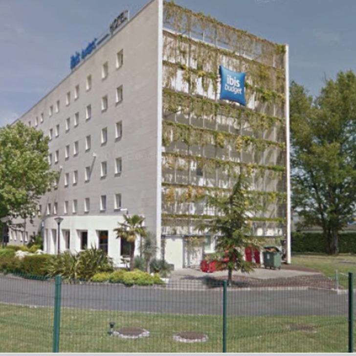 Parking Hotel IBIS BUDGET BORDEAUX AÉROPORT (Exterior) Mérignac