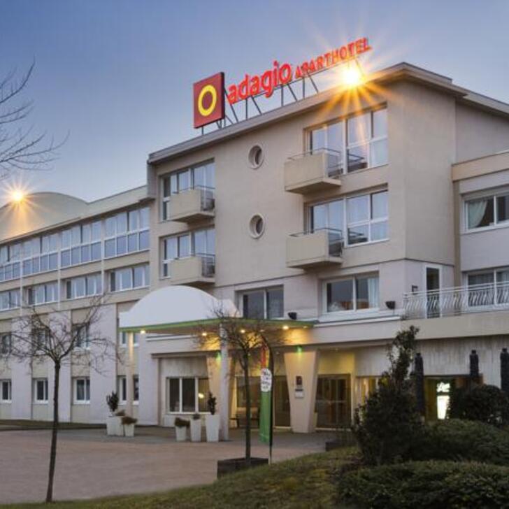 Parking Hôtel APARTHOTEL ADAGIO GENÈVE SAINT-GENIS-POUILLY (Extérieur) Thoiry