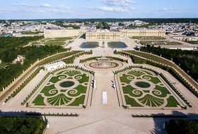 Castle of Versailles car parks in Versailles - Book at the best price