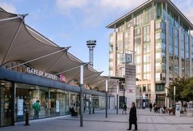 Parques de estacionamento Estação Poitiers em Poitiers - Reserve ao melhor preço