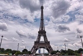 Eiffel Tower car parks in  - Book at the best price