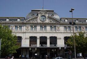 Parkeerplaatsen Station van Toulouse Matabiau in Toulouse - Boek tegen de beste prijs