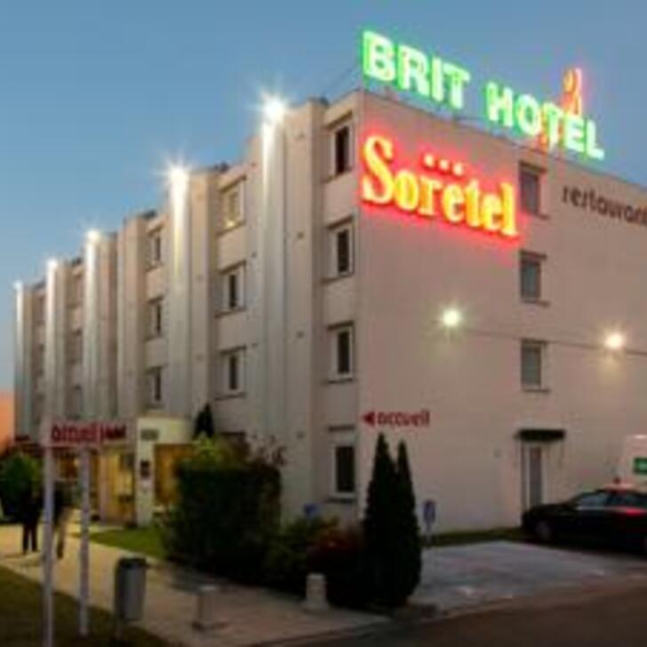 BRIT HOTEL BORDEAUX AÉROPORT - LE SORETEL Hotel Car Park (External) Mérignac