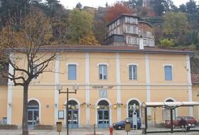 Parques de estacionamento Estação de Viena em Vienne - Reserve ao melhor preço
