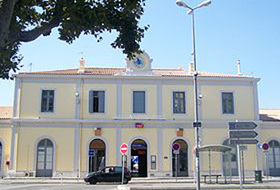 Gare d'Aix center car parks in  - Book at the best price