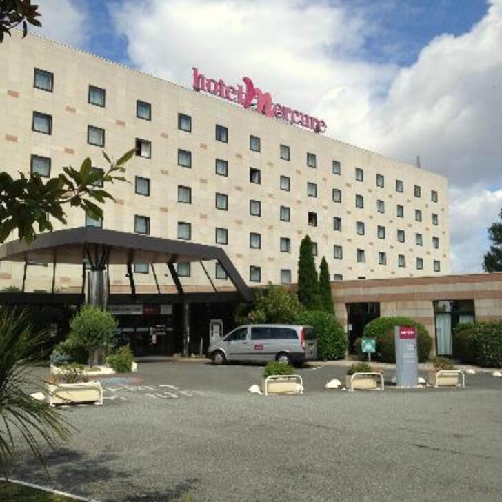 Parking Hotel MERCURE BORDEAUX AÉROPORT (Exterior) Mérignac