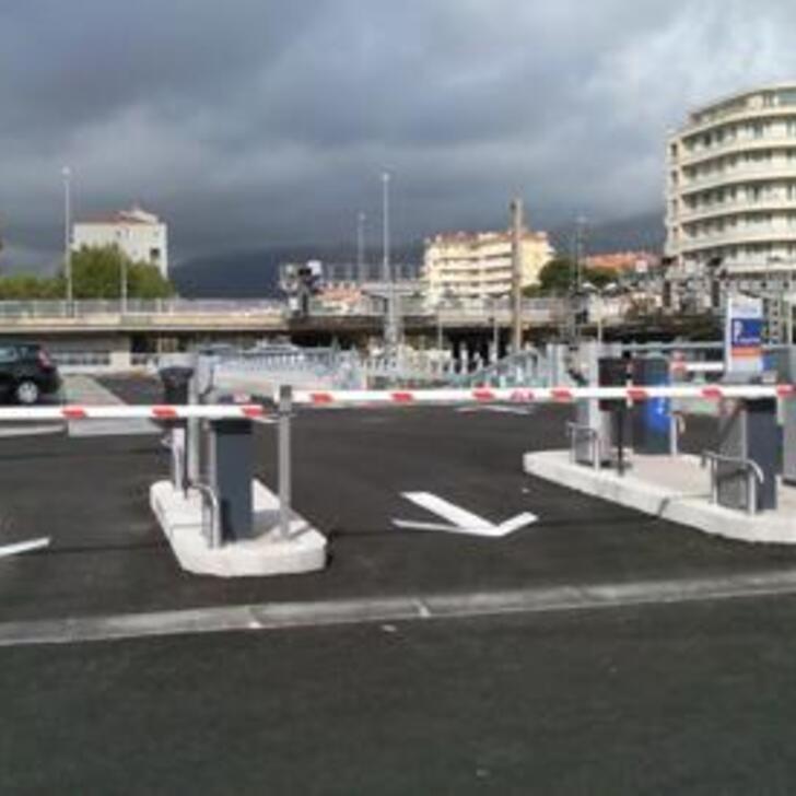 Offiziell Parkhaus - Lange Dauer EFFIA GARE DE TOULON LOUIS ARMAND (Überdacht) TOULON