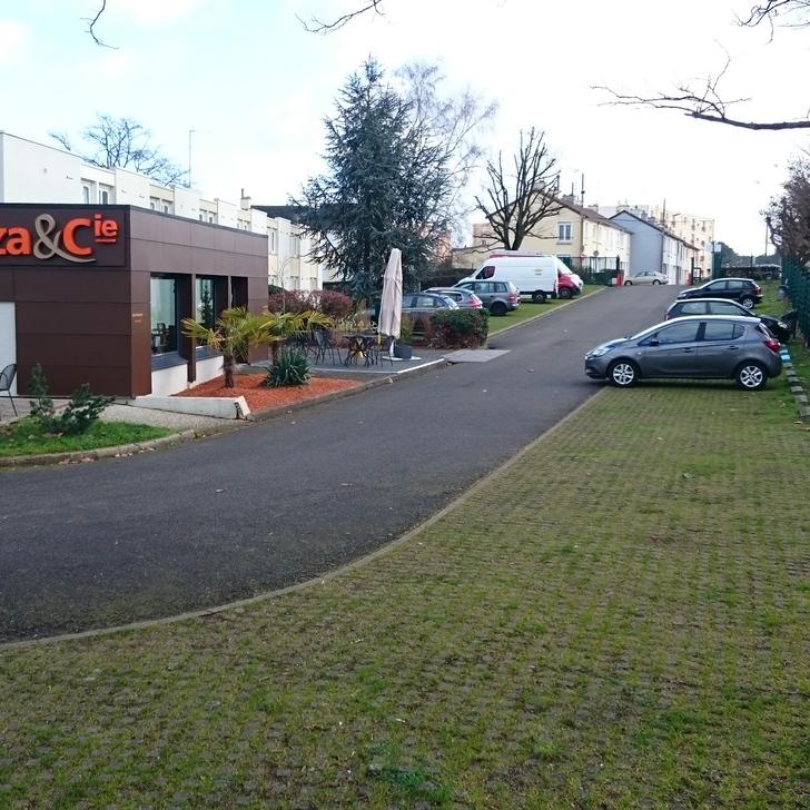 IBIS LE MANS EST PONTLIEUE Hotel Parking (Exterieur) Le Mans
