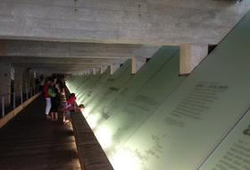 Parkplätze Denkmal für die Abschaffung der Sklaverei in Nantes - Buchen Sie zum besten Preis