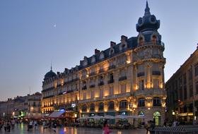 Parques de estacionamento Praça da Comédia em Montpellier - Reserve ao melhor preço