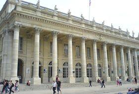 Parkplätze Opera National de Bordeaux - Großes Theater in Bordeaux - Buchen Sie zum besten Preis