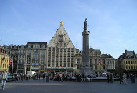 Large square car parks in Lille - Book at the best price