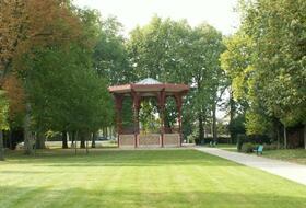 Parkeerplaatsen Park van de Patte d'Oie in Reims - Boek tegen de beste prijs
