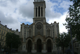 Cathédrale Saint-Charles car parks in Saint Etienne - Book at the best price