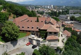 Parkings Musée Dauphinois à Grenoble - Réservez au meilleur prix