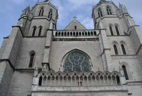 Cathédrale de Dijon car parks in Dijon - Book at the best price