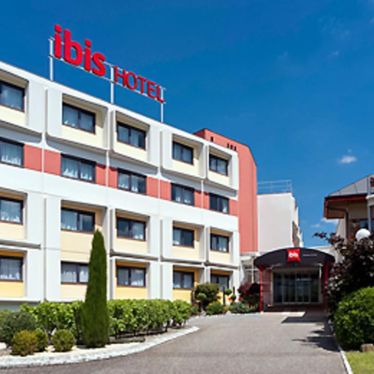 IBIS BORDEAUX LAC Hotel Car Park (External) Bordeaux