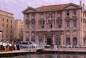 Parkings Hôtel de Ville à Marseille - Réservez au meilleur prix