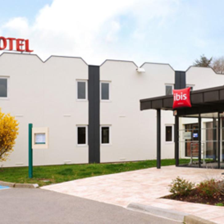 Parking Hotel IBIS ROUEN PARC DES EXPOS ZÉNITH (Exterior) Saint-Étienne-du-Rouvray