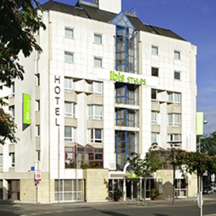 Parking Hotel IBIS STYLES TOURS CENTRE (Cubierto) Tours