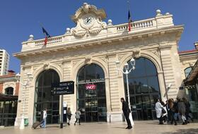 Toulon Station car parks in Toulon - Book at the best price