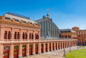 Parques de estacionamento Estação Atocha Renfe em Madrid - Reserve ao melhor preço