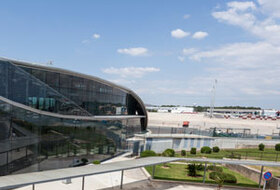 Valencia Manises Airport car parks - Book at the best price