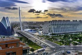 Parkeerplaatsen Stad van Kunsten en Wetenschappen in Valencia - Boek tegen de beste prijs