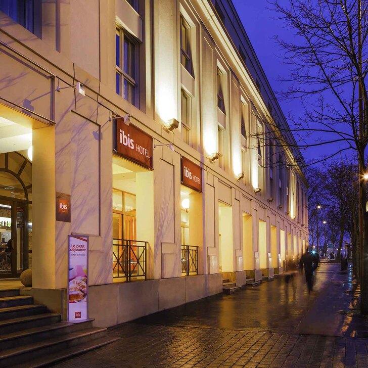 IBIS VERSAILLES CHÂTEAU Hotel Car Park (Covered) Versailles