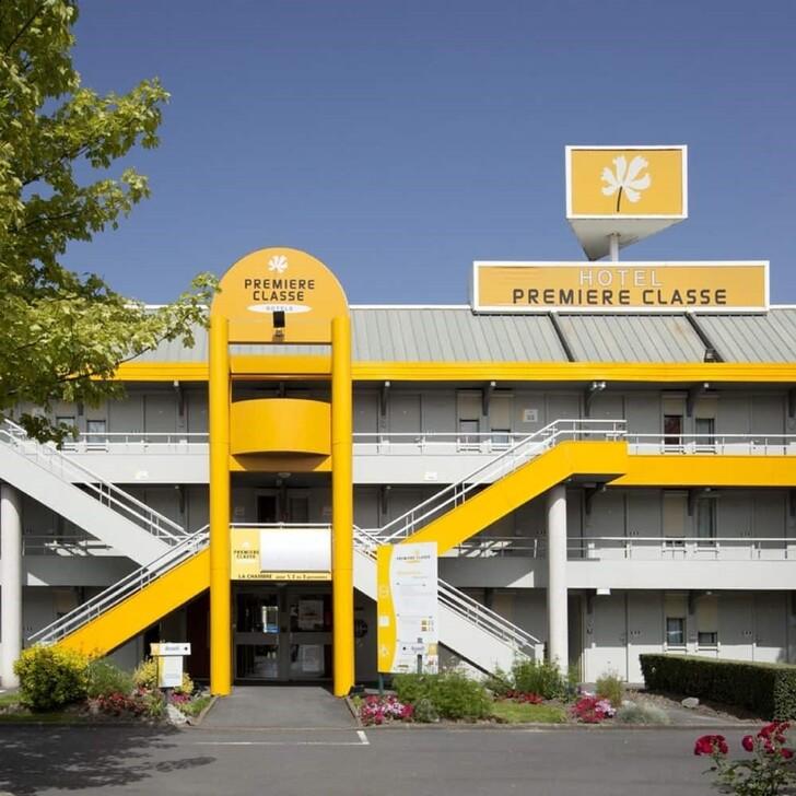 PREMIÈRE CLASSE LILLE - VILLENEUVE D'ASCQ - STADE PIERRE MAUROY Hotel Parking (Exterieur) Lezennes