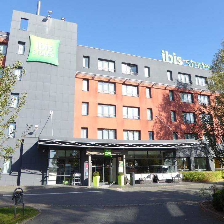 Parking Hôtel IBIS STYLES LILLE AÉROPORT (Extérieur) Lesquin