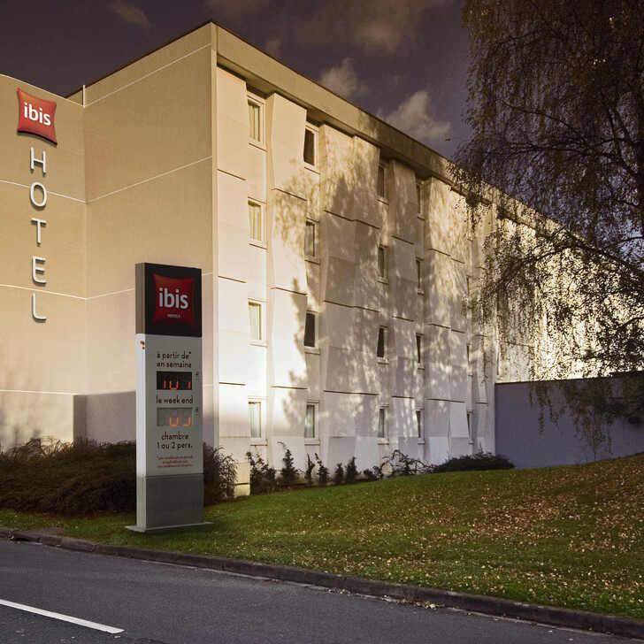 IBIS LILLE VILLENEUVE-D'ASCQ GRAND STADE Hotel Parking (Exterieur) Villeneuve d'Ascq Grand Stade