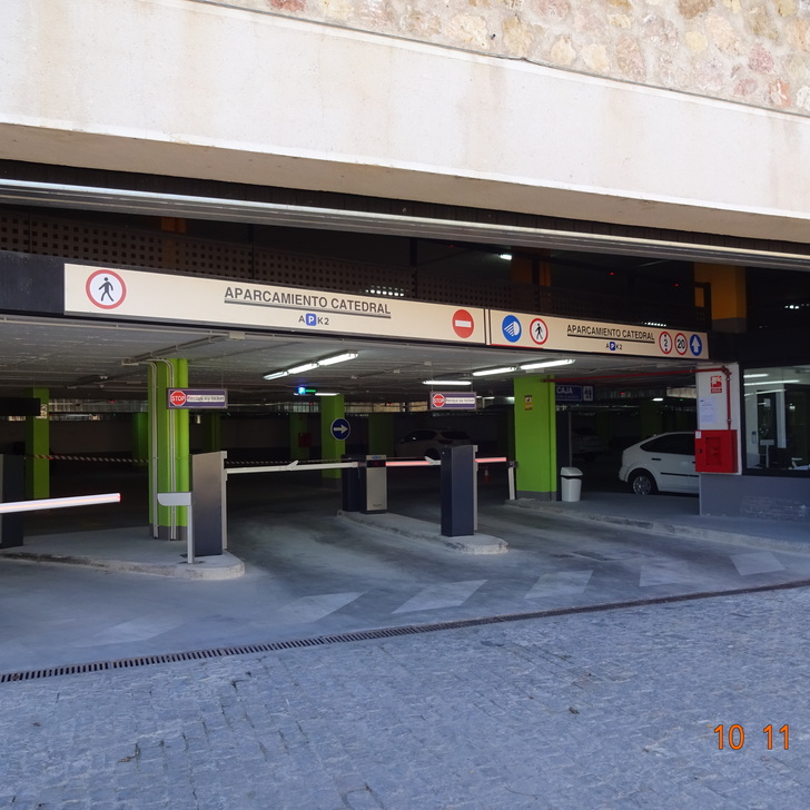 APK2 CATEDRAL - OBLATAS Public Car Park (Covered) Segovia