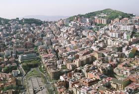 Parkeerplaatsen District Horta-Guinardó in Barcelona - Boek tegen de beste prijs