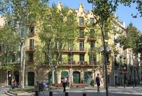 Parkeerplaatsen Barrio de Poblenou in Barcelona - Boek tegen de beste prijs