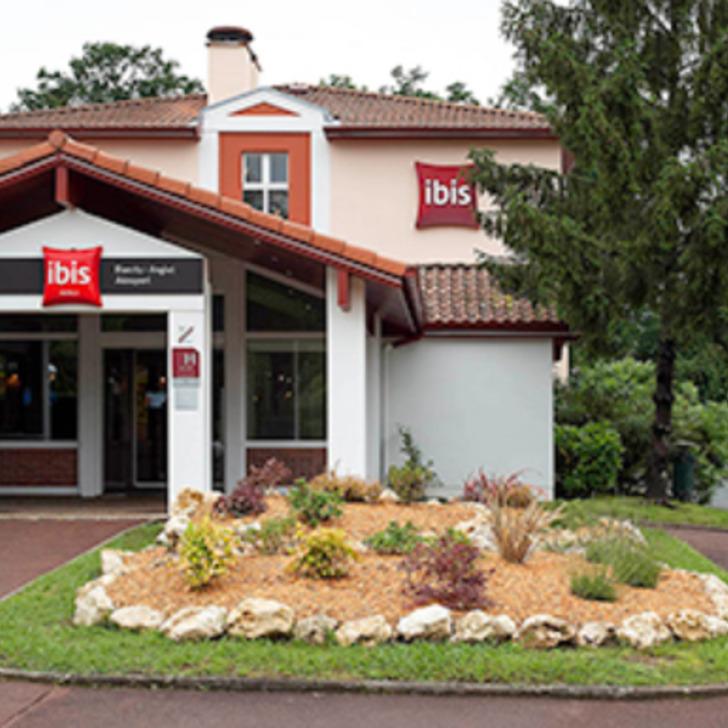 IBIS BIARRITZ ANGLET AÉROPORT Hotel Car Park (External) Anglet