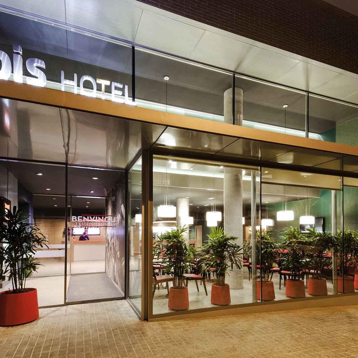 IBIS BARCELONA CENTRO SAGRADA FAMILIA Hotel Parking (Overdekt) Barcelona