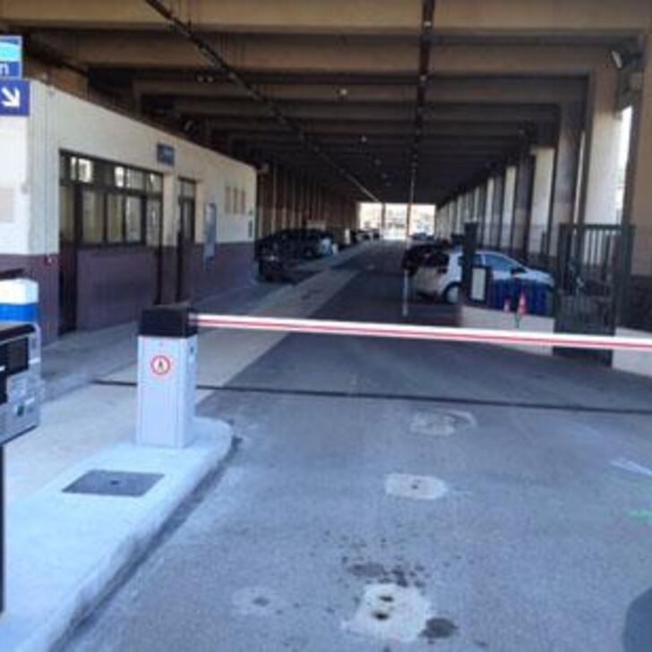 EFFIA GARE DE NICE-VILLE Officiële Parking (Exterieur) NICE