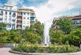 Parques de estacionamento Plaza de Olavide em Madrid - Reserve ao melhor preço