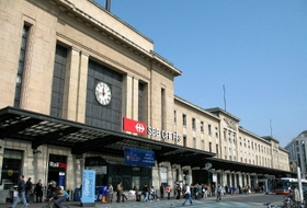 Parkeerplaatsen Station Genève-Cornavin in Genève - Boek tegen de beste prijs