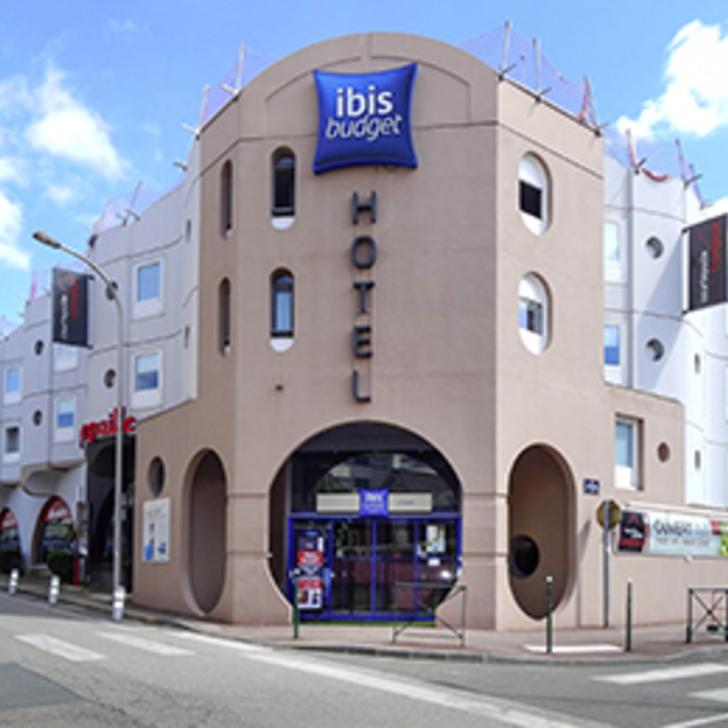 Parking Hotel IBIS BUDGET LIMOGES (Exterior) Limoges