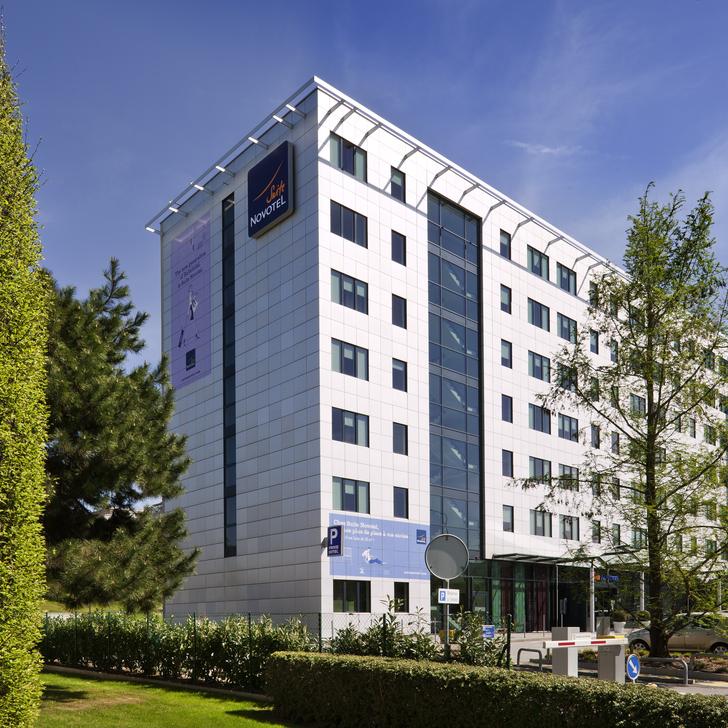 Parking Hotel NOVOTEL SUITES GENÈVE AÉROPORT (Exterior) Cointrin
