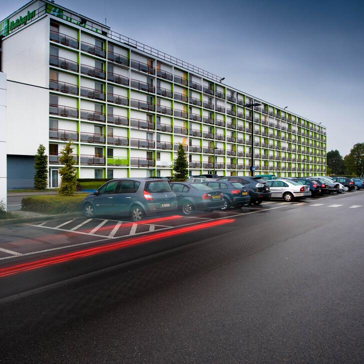 HOLIDAY INN BRUXELLES AÉROPORT Hotel Parking (Exterieur) Bruxelles