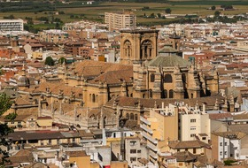 Calle San Antón car parks in Granada - Book at the best price