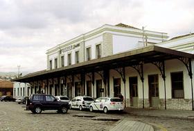 Parques de estacionamento Estación de Tren de Granada em Granada - Reserve ao melhor preço