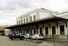 Station de train de Grenade car parks in Granada - Book at the best price