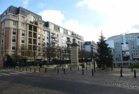 Charenton-Liberté car parks in Charenton-le-Pont - Book at the best price